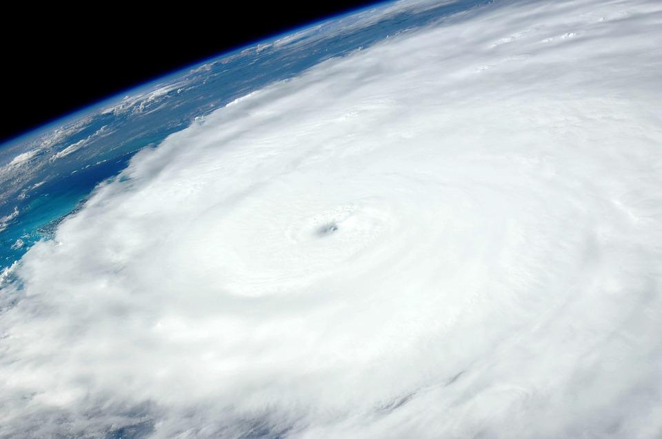 hurricane-1049612_960_720